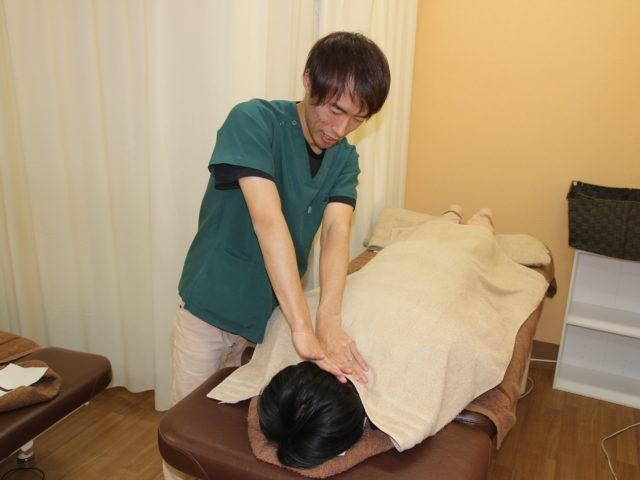 こめかみを押したら一時的に頭痛が取れるが、すぐに再発してしまう。佐久市の整骨院