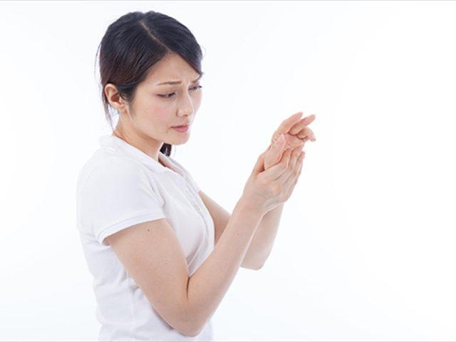 首から肩、手にかけてのしびれの原因は?佐久市の整骨院、整体院
