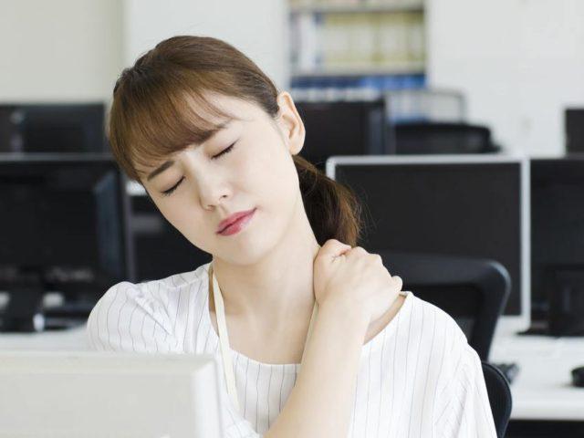 頑固な肩こり、筋緊張型の頭痛の原因は?猫背改善が期待できることは?佐久市の整骨院、整体院