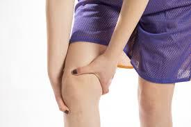 膝の痛みとO脚とX脚の関係は?骨盤矯正でO脚、X脚は改善されるのか?